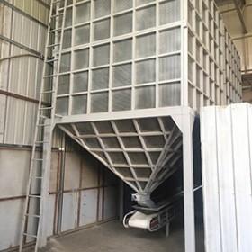 近距离看凉米仓这密集的孔就知道通风有多好