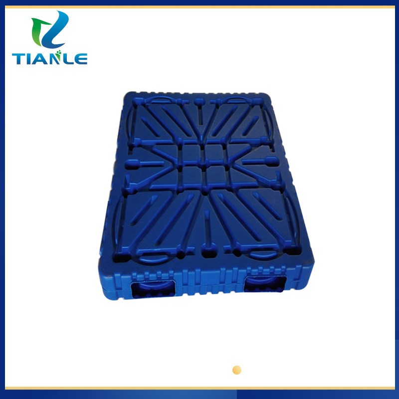 西平塑料周转托盘西平塑料板子西平九脚吹塑托盘