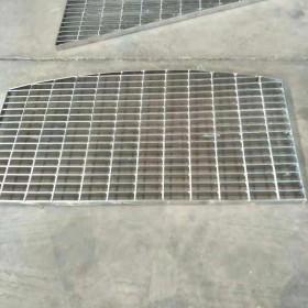 防滑耐腐蚀排水沟盖板钢格栅网格板 平台踏步镀锌齿型钢格板现货