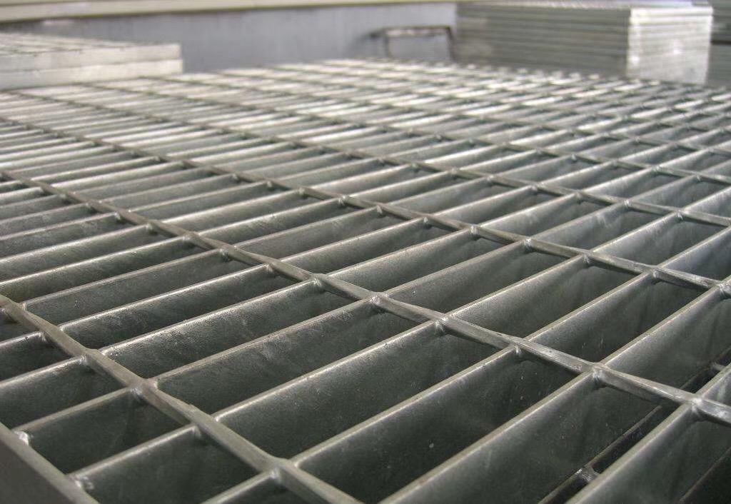 电厂污水处理厂钢格栅板 不锈钢平台踏步格栅板 防滑钢格板直销