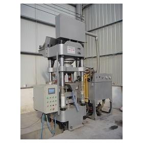 鑫源XY32系列自动铁剂粉末成型液压机A采用先进的容积称量法