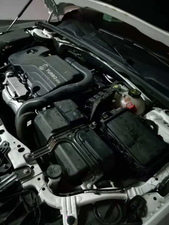 新密市 上门安装汽车电瓶没电搭电救援帮车补胎开锁8