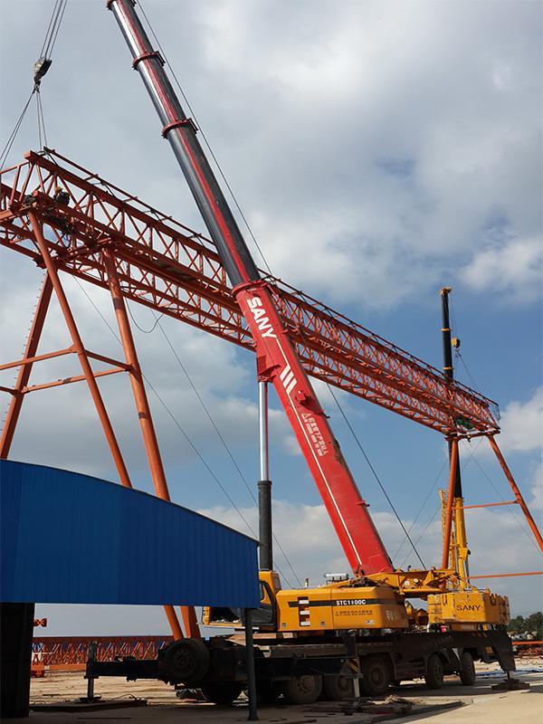 东莞吊运搬厂货柜装卸机器吊装设备上楼厂房装修货物运输吊车租赁
